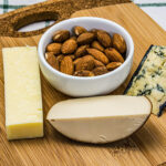 vitamin b2 cheese and almonds
